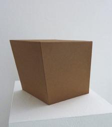 <b>Erwin Heerich</b><br> Kartonplastik, 1995<br> brauner Karton<br> signiert und nummeriert / Zertifikat<br> Edition 20<br> 25,5 x 50 x 34 cm